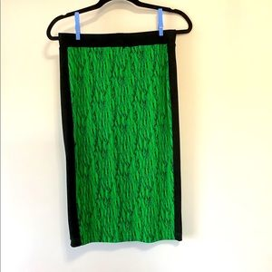 Stretchy green patterned pencil skirt